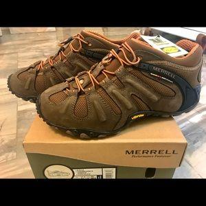 Merrell brand new hiking boots! Chameleon II